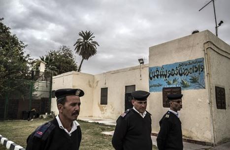 معتقل مصري سابق يروي تفاصيل مفزعة عن تعذيبه