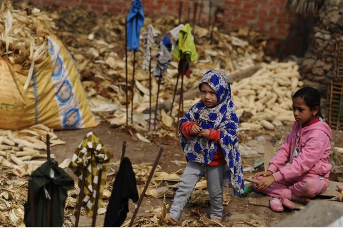 الخالة ثابتة وفرنها الطيني معجزة اقتصادية بسيطة - فرن  اقتصاد (7)