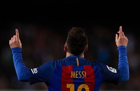 شاهد جميع أهداف ميسي مع برشلونة (فيديو)