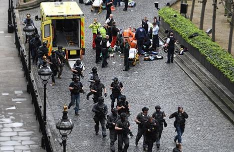 بريطانيا: الشرطة تفجر طردا في وستمنستر وتقول إنه آمن