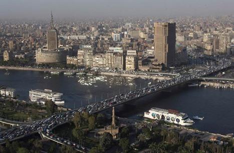 """""""مهدي منتظر"""" بمصر يطعن زوجته ويلقي ابنه من الطابق الثاني"""