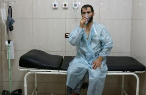 غاز الكلور يقتل طبيبا جراحا سوريا ويصيب آخرين بحماة