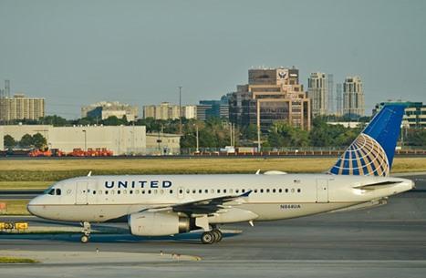 """ردود عاصفة على حظر شركة طيران أمريكية لـ""""السراويل الضيقة"""""""