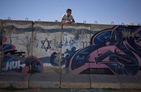لجان امتحانات بريطانية تسقط الصراع الفلسطيني الإسرائيلي من مناهجها