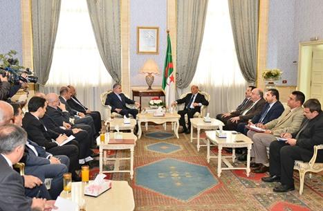 تصريحات لوزير الثقافة الإيراني تثير الجدل بالجزائر