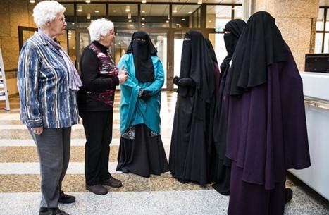 كاتب تركي: هل حرية التعبير شيء جيد للمسلمين؟