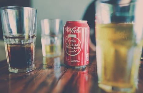 """الشرطة تحقق في وصول فضلات بشرية لعلب """"كوكا كولا"""""""
