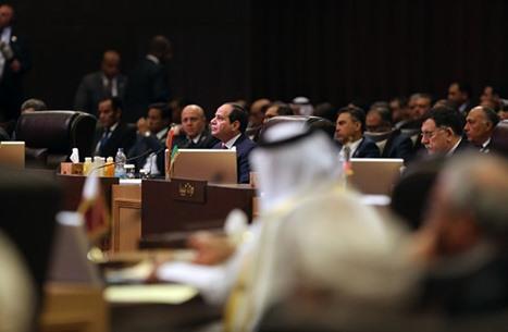 أسف مصري ومطالب بإقالة رئيس تحرير أساء لأمير قطر