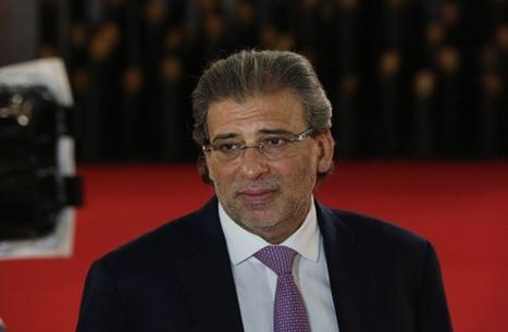 المخرج خالد يوسف يعود إلى مصر ويثير جدلا (شاهد)