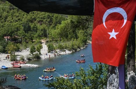 """قمة إسطنبول الاقتصادية تناقش خطوات """"التحول الأخضر"""".. تفاصيل"""