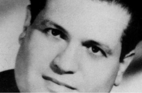 ماكرون يعترف بقتل فرنسا لزعيم وطني جزائري اتهم بالانتحار