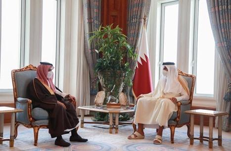 أمير قطر يستقبل وزير خارجية السعودية ويتسلم رسالة من الملك