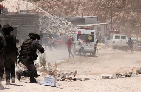 كاتب فلسطيني يحذّر من وهم المفاوضات واحتواء سلاح المقاومة