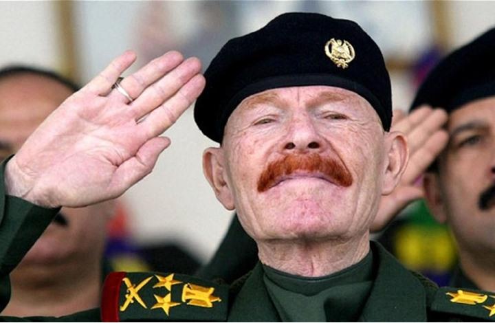 ظل صدام حسين يرحل.. من هو عزت الدوري؟ (بروفايل)
