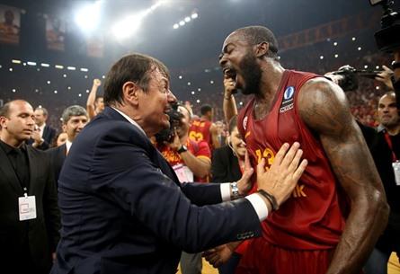 غلطة سراي التركي بطل كأس أوروبا بالسلة - 06- غلطة سراي التركي بطل كأس أوروبا بالسلة - الاناضول