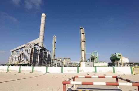 """لماذا اعترضت مصر على كلمة """"طرابلس"""" بجانب مؤسسة النفط الليبية؟"""