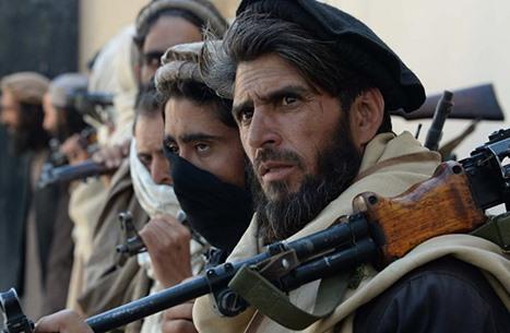 استقالة وزير الدفاع الأفغاني وقائد الجيش.. هل طالبان السبب؟