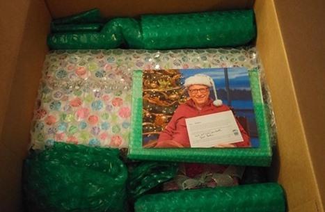 """هذه هدايا سانتا السرية من بيل غيتس لمستخدمة """"رديت"""" (صور)"""