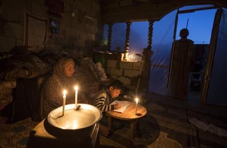 سينما مجانية في غزة تواجه أزمة الكهرباء (صور)