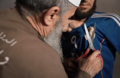 عناصر بتنظيم الدولة في الموصل يقطعون شعار ريال مدريد