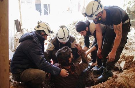 """مقتل ثمانية من أعضاء """"الخوذ البيضاء"""" السوري في غارة جوية"""
