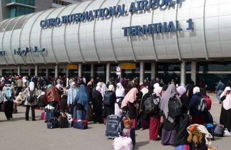 الحكومة المصرية تعلن عودة 1075 عاملا من الكويت