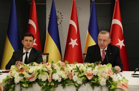 ما أهداف تركيا من الوقوف إلى جانب أوكرانيا؟