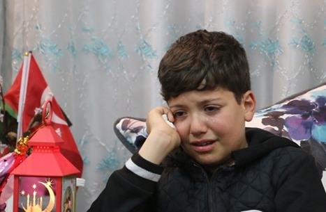 مؤلم.. طفل فلسطيني يبكي غياب والده الأسير (شاهد)