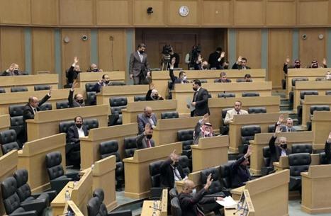 توتر بالأردن في لقاء رئيس الحكومة بالنواب حول قضية الأمير حمزة