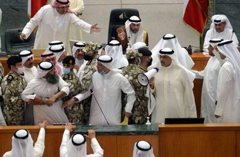 """صخب وتوتر ببرلمان الكويت.. فشل جديد لـ""""إسقاط الرئيسين"""""""