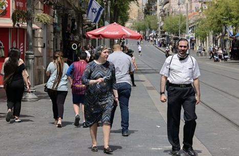 """""""إسرائيل"""" تلغي إلزامية الكمامات بعد حملة تطعيم ضخمة"""