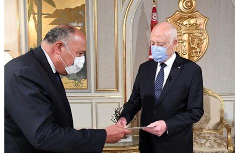 شكري يلتقي سعيّد بتونس في نهاية جولته الأفريقية