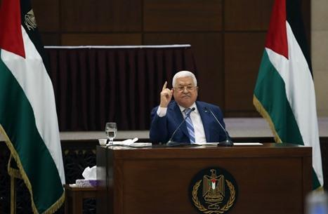 صحفي إسرائيلي: عباس طلب من أجهزته الأمنية إحباط التصعيد بالضفة
