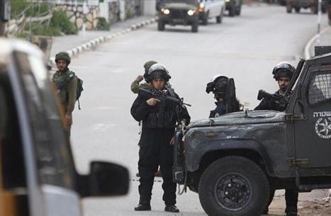الاحتلال يعتقل مرشحين للانتخابات بالقدس ويمنع مؤتمرا صحفيا