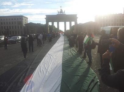 أطول علم فلسطيني في برلين لإحياء ذكرى النكبة - عربي21 - (8)