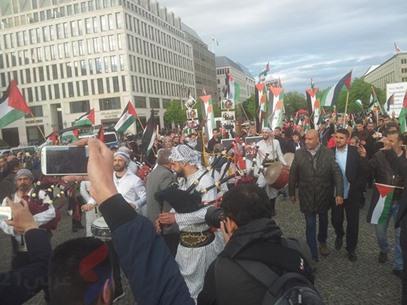 أطول علم فلسطيني في برلين لإحياء ذكرى النكبة - عربي21 - (9)