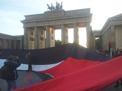 أطول علم فلسطيني في برلين لإحياء ذكرى النكبة - عربي21 - (13)