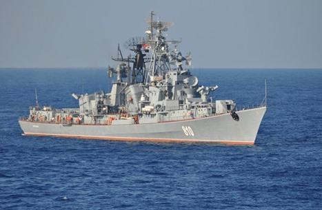 """روسيا ترسل مدمرة """"سميتليفي"""" إلى سوريا لدعم حليفها الأسد"""
