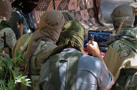 """التلفزيون السوري يعلن مقتل وزير حرب """"الدولة"""" وقادة بارزين"""