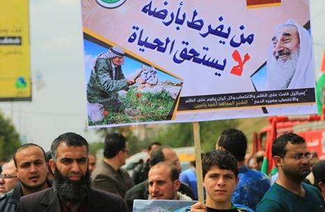 """ديفيد هيرست: هل تذهب حماس إلى الحج و""""الناس راجعة""""؟"""