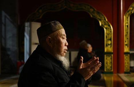 """""""لوس أنجلوس تايمز"""" تروي قصص الإيغور المؤلمة في الصين"""