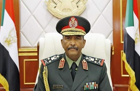 """""""ليبيا أوبزيرفر"""": البرهان يزوّد حفتر بالأسلحة والذخائر"""