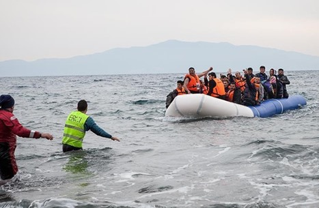 هذا ما يدفع الشباب العربي للهجرة خارج الأوطان (إنفوغراف)