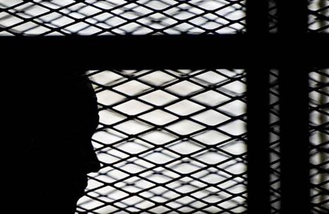 معتقلون مصريون يطلبون وساطة شيخ الأزهر للإفراج عنهم