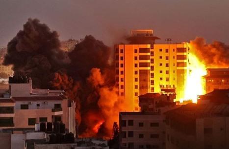 الاحتلال يشن سلسلة غارات عنيفة طالت مقرات أمنية بغزة