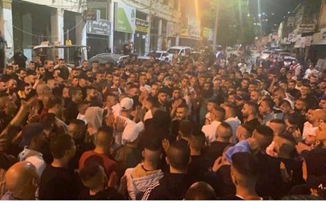 الضفة تنتقض.. مسيرات ليلية تهتف لغزة وتندد بالعدوان (شاهد)