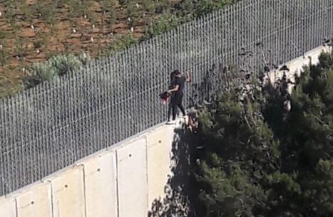 لبنانيون يحاولون اجتياز الحدود لليوم الثاني نصرة للقدس (شاهد)