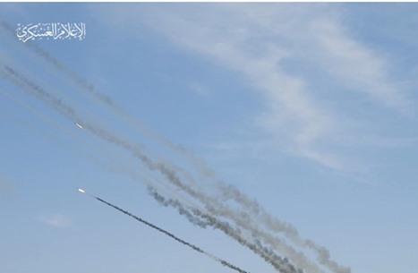 القسام تهدي ضربات صاروخية لروح شهيد الشيخ جراح (شاهد)