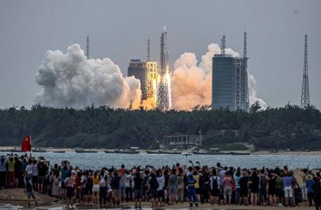 الصين تعلن تفكك صاروخها الفضائي فوق بحر العرب