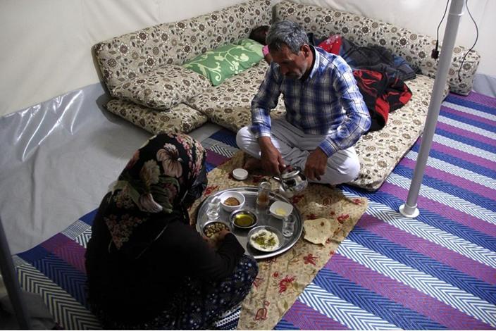 السوريون في تركيا.. سحور بطعم مرارة اللجوء - السوريون في تركيا.. سحور بطعم مرارة اللجوء (9)